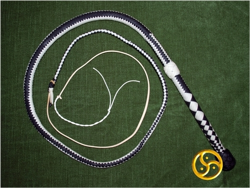 "Bullwhip, deluxe, ""Black and White Line """